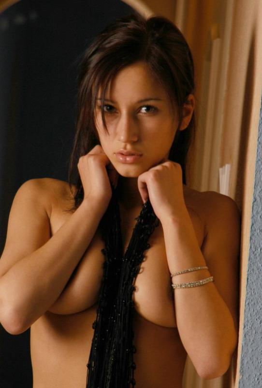 Супермодель снялась у профессионала в эротической сессии. Порно супермодель.