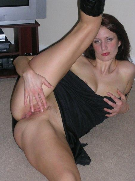 Шаловливая Соня показала себя порнофото. Порно соня.