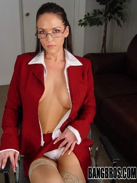 Кончил на очки приличной матушке. Порно очки.
