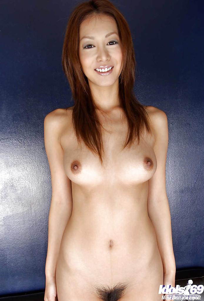 Изящная девушка с узкими глазами в белоснежном белье показывает нагое тело. Порно девушка с узкими глазами белом.